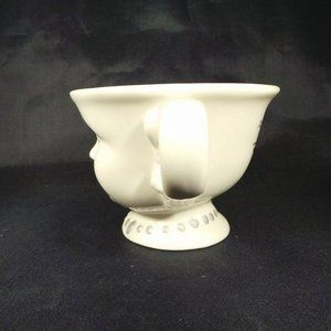 Bailey's Dining - Bailey's Winking Face Cup Helen Hunt Signed